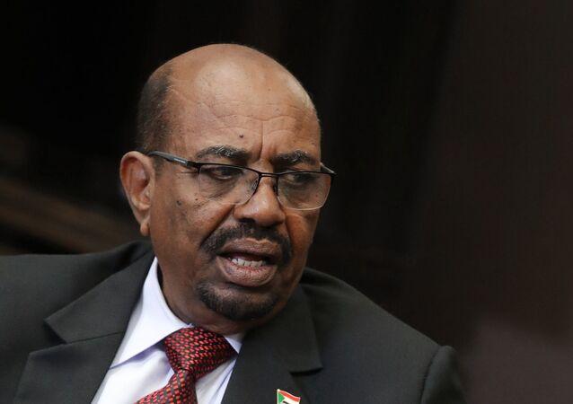 スーダン前大統領、汚職を認める