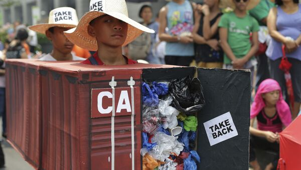 フィリピン コンテナー69個分のゴミをカナダに返還 - Sputnik 日本