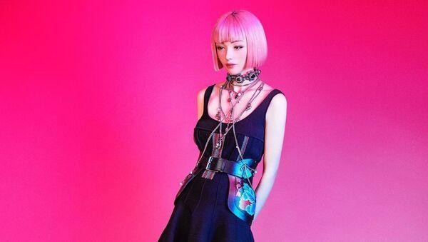 ピンク色の髪をしたモデルの「イマ(Imma)」 - Sputnik 日本