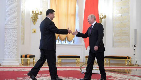 プーチン大統領、習国家主席の誕生日にロシア製アイスクリームをプレゼント - Sputnik 日本