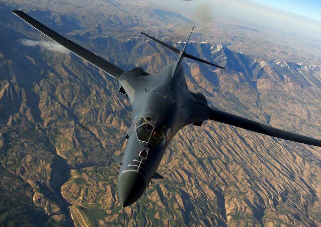 米B1爆撃機(アーカイブ写真)