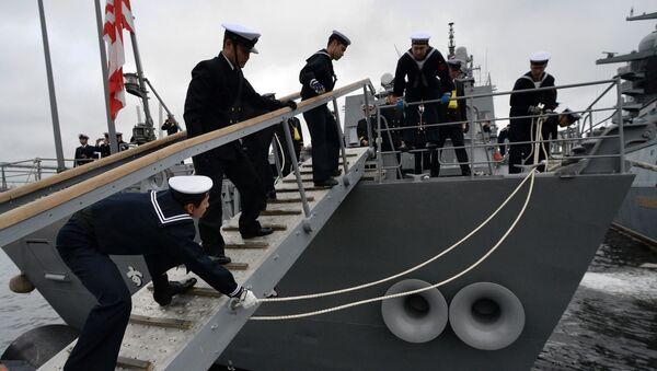 ウラジオストクに到着した、海上自衛隊の護衛艦「すずなみ」 - Sputnik 日本