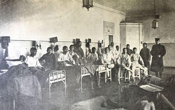 メドベージ村の連隊病院に収容された日本人捕虜 - Sputnik 日本