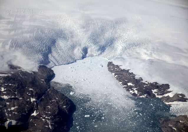 グリーンランドで降雪ではなく降雨 観測史上初めて