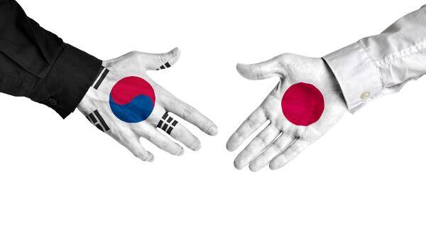 日本の旗と韓国の旗 - Sputnik 日本