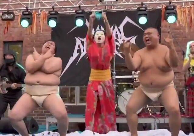 ヘビメタで編み物コンテスト 圧巻の日本人が優勝 フィンランド