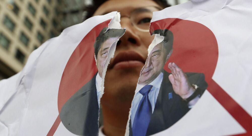 日韓の歴史的論争 「マイクロチップ戦争」誘発 世界のエレクトロニクスに損害与えるおそれ