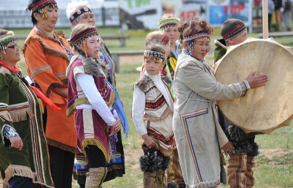 ザバイカリエ地方のチタで先住民族のフェスティバルに参加する人々 - Sputnik 日本