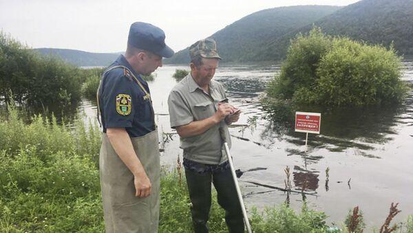 Оперативная группа Главного правления МЧС России по Еврейской автономной области проводит оценку паводка по реке Амур - Sputnik 日本
