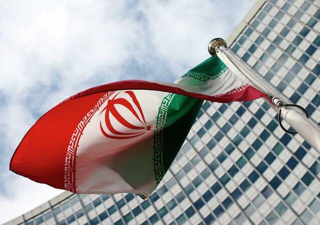 イランの旗(アーカイブ写真)