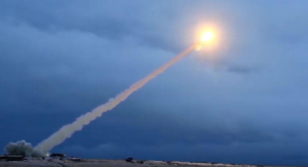 米ロ、すべての核兵器を制限する新条約の可能性=ロイター通信