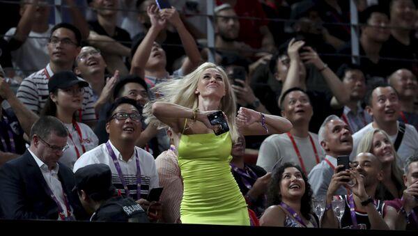 ブラジルの「熱い」女性ファン - Sputnik 日本