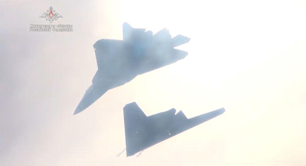 「オホトニク」とSu-57