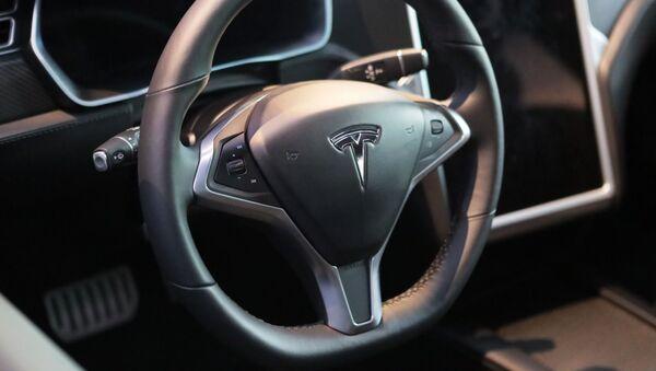 Руль автомобиля Тесла в салоне Moscow Tesla Club в Москве - Sputnik 日本