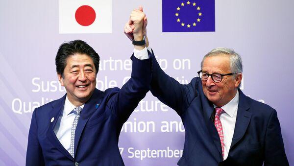 安倍晋三首相とEUのユンケル欧州委員長 - Sputnik 日本