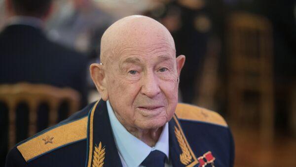 アレクセイ・レオノフ宇宙飛行士 - Sputnik 日本