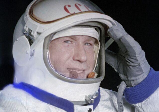 レオーノフ宇宙飛行士