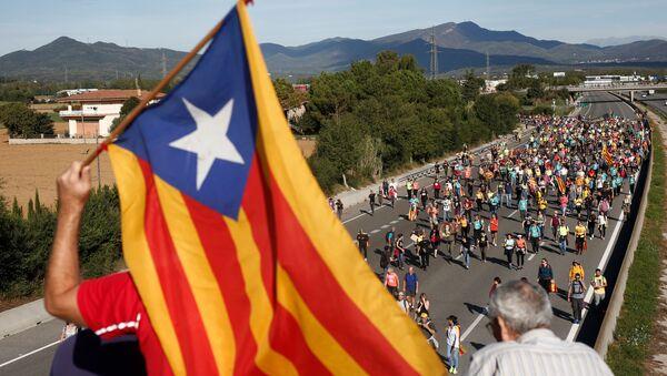 バルセロナに向け数千人規模のデモはじまる - Sputnik 日本