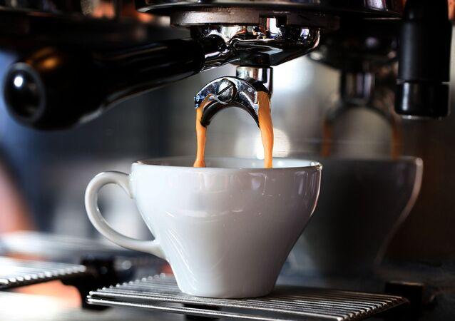 コーヒーを愛飲するのはどんな人? 科学的に証明