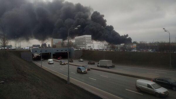 モスクワ南部大火災 焼失面積拡大で7000平米 - Sputnik 日本