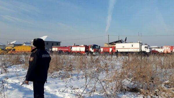 95人搭乗のベック航空機墜落 カザフスタン南部アルマティ離陸後 - Sputnik 日本
