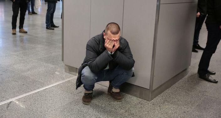 ウクライナ・ボリスポル空港で 墜落事故犠牲者の家族