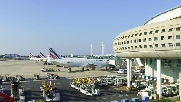 パリのシャルル・ド・ゴール国際空港 - Sputnik 日本