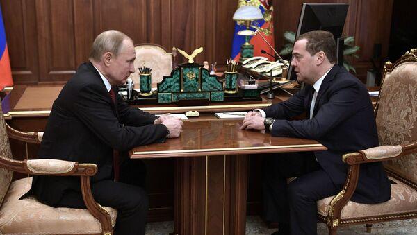 メドベージェフ首相とプーチン大統領 - Sputnik 日本
