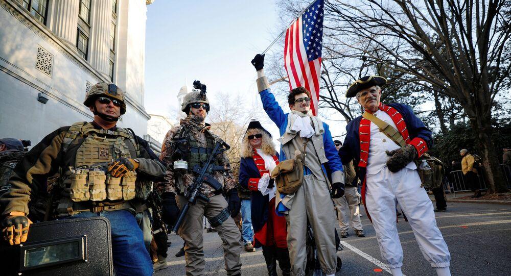 米国で武器携帯の権利を擁護する集会に2万2000人参加