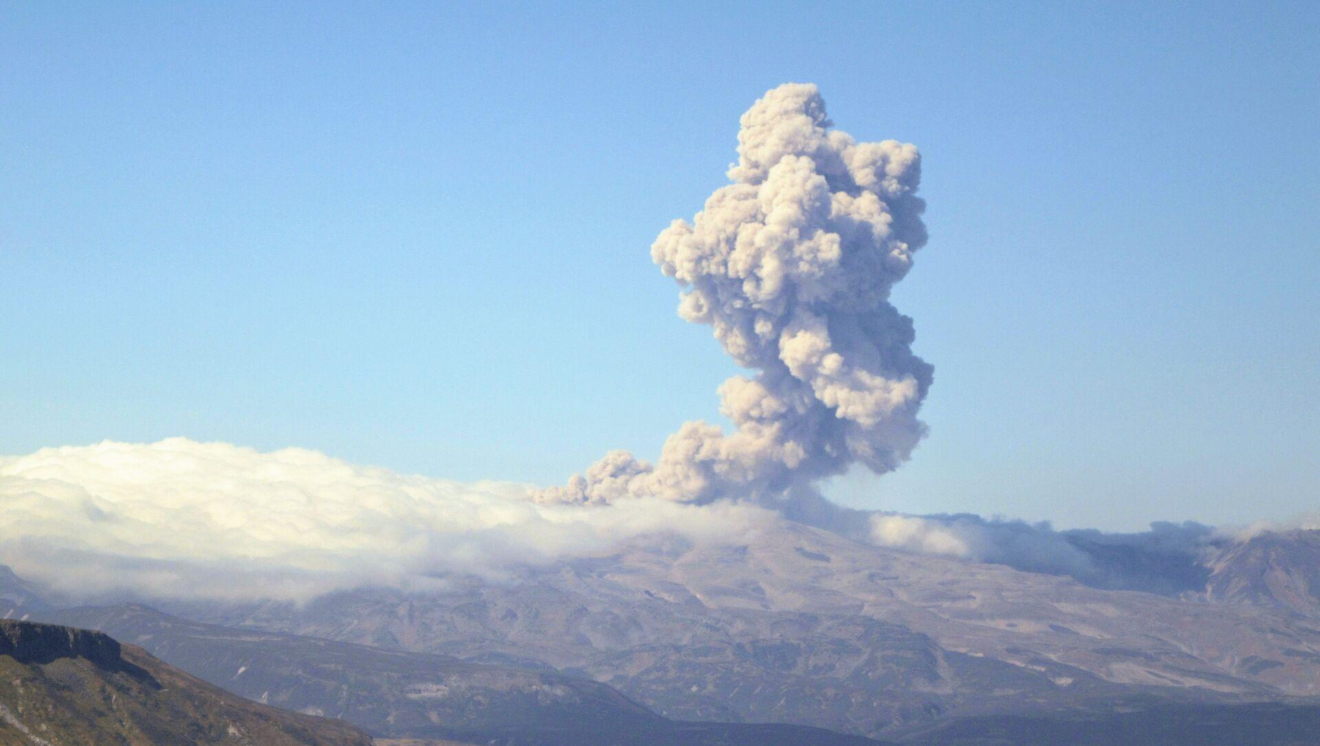 クリル諸島のエベコ火山(アーカイブ写真) - Sputnik 日本, 1920, 21.05.2021