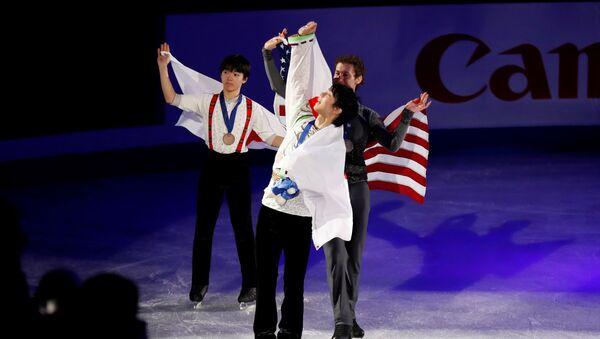 Фигурист Юдзуру Ханю на церемонии награждения на Чемпионате Четырех Континентов в Южной Корее - Sputnik 日本