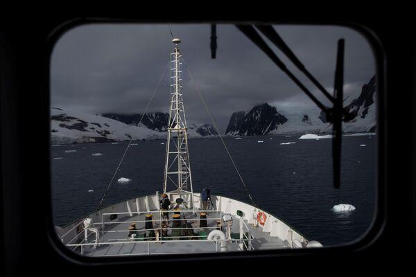 エスペランサ号とその乗組員 ルメール海峡近くにて - Sputnik 日本