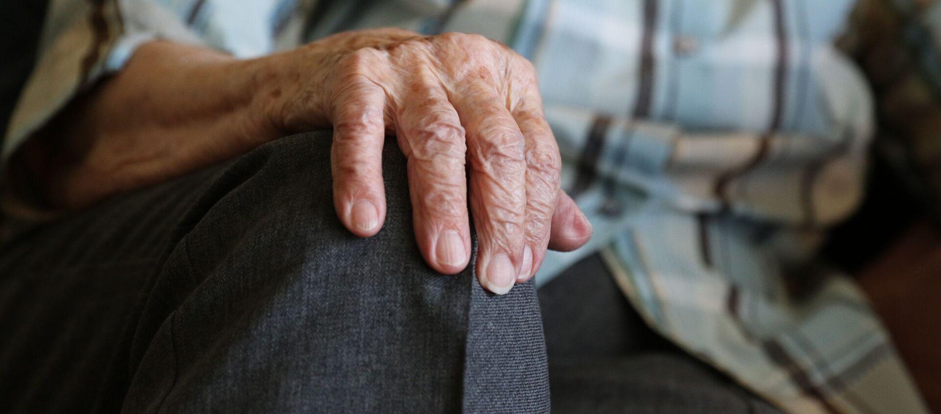 100歳以上生きるコツ 長寿を支える要因が調査で明らかに - Sputnik 日本, 1920, 12.02.2021