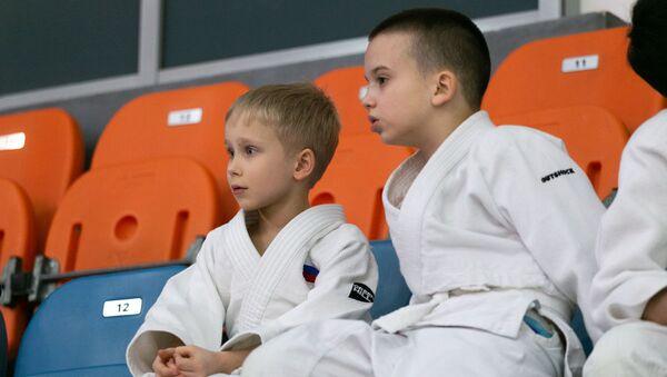 日本人柔道家、モスクワで子どもたちを特別指導 - Sputnik 日本