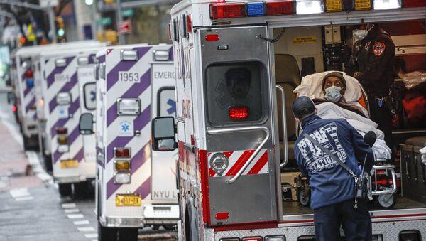 Пациент скорой помощи в Нью-Йорке - Sputnik 日本