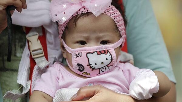 マスクをつけた赤ちゃん - Sputnik 日本
