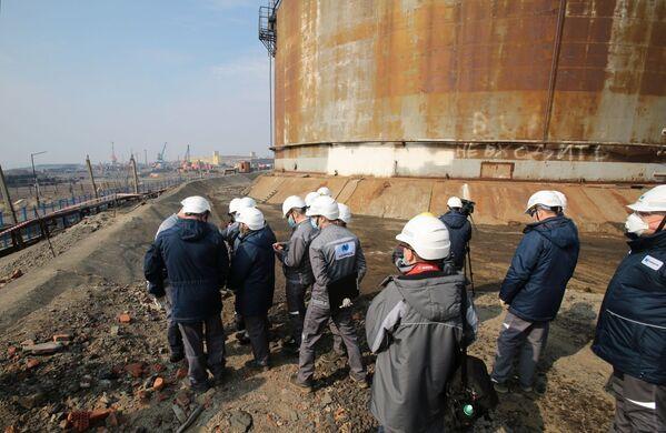 火力発電所内を視察する金属大手ノリリスク・ニッケルの職員 - Sputnik 日本
