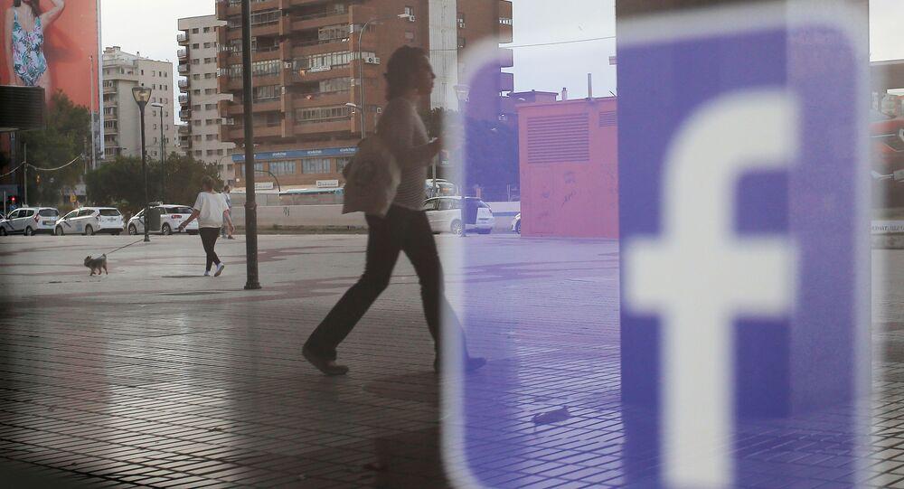 フェイスブック 政治的宣伝を無効にする機能を導入