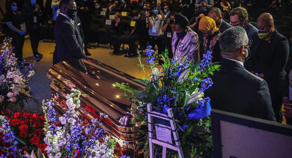 フロイドさんの葬式