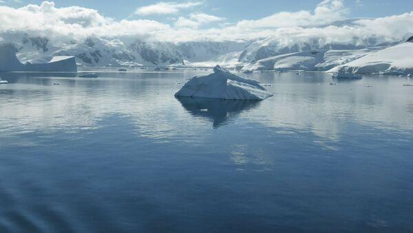 Айсберг в Южном океане - Sputnik 日本