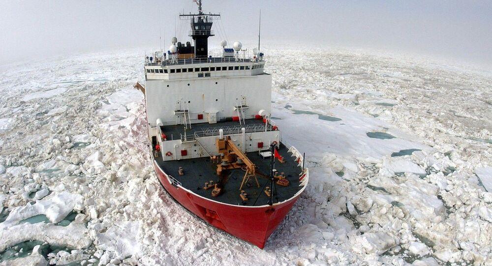 米国の砕氷船