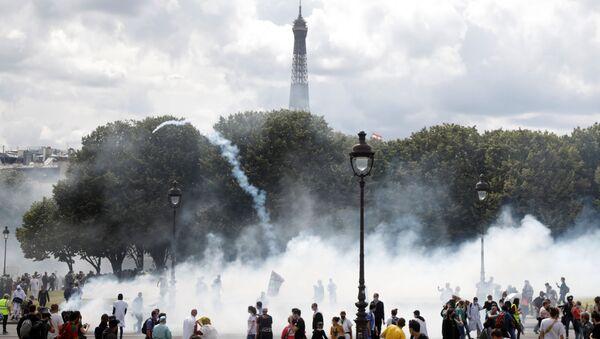 パリ 医療者の平和的抗議行動で騒乱が勃発 - Sputnik 日本