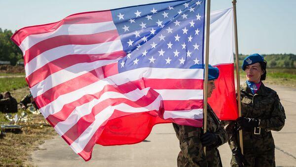 米国・ポーランドの旗 - Sputnik 日本