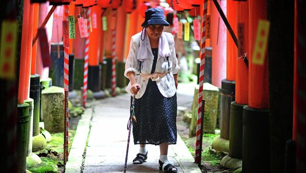 日本 10年続けて人口減少 1億2480万人 外国人は270万人 総務省統計 - Sputnik 日本
