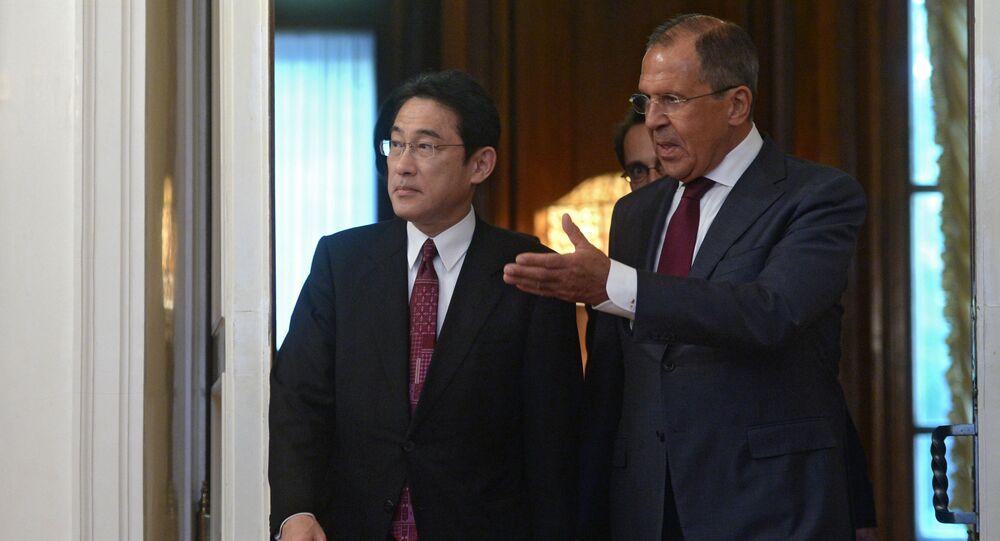 露日外相 両国関係の発展と北朝鮮問題について議論